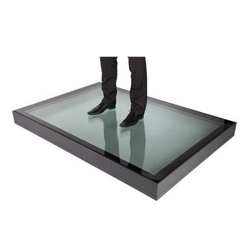 Walkon glass modular - The beauty of the Flushglaze system is its flexibility, for larger areas of glazing the glass panels can be linked with a back to back angle.